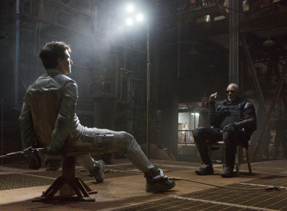 "Tom Cruise and Morgan Freeman in ""Oblivion"""