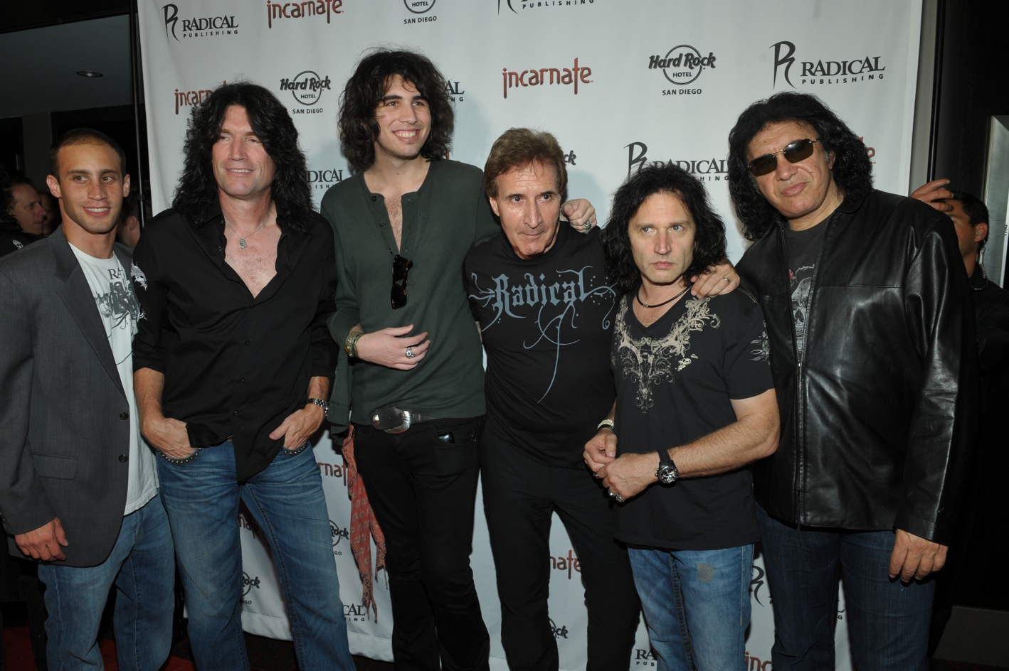 Barry Jesse Gene Nick Tommy Thayer Eric Singer